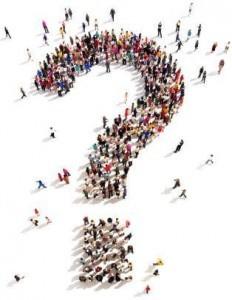Fragen zu Preise - Eine Ansammlung von Menschen die ein Fragezeichen bilden