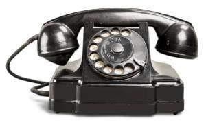 Kontakt - Altmodisches Telefon mit Drehscheibe